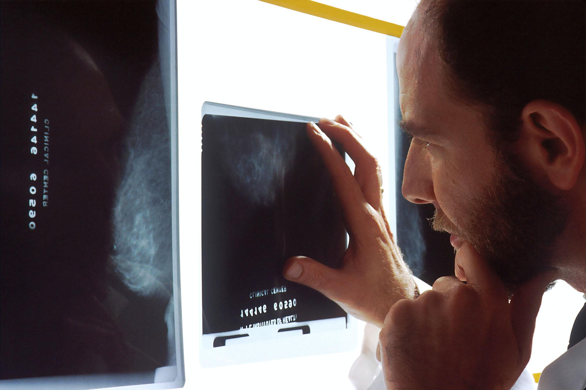 national-cancer-institute-XrLSV-CKmuQ-unsplash